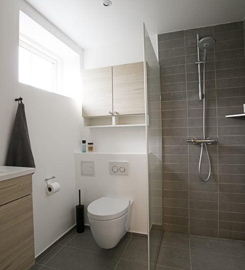 Komplet  Bad Renovering i Frederikssund. Pris 149.000,00 kr